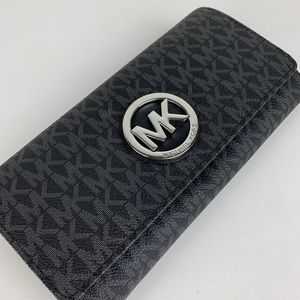 New Michael Kors Signature Fulton Carryall Wallet